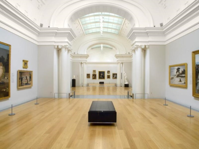Browse the Auckland art gallery