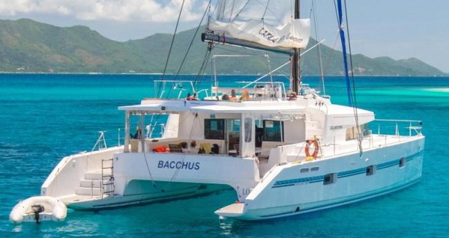 Catamaran Charter Cruise