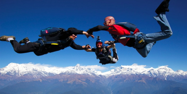 Explore Skydiving